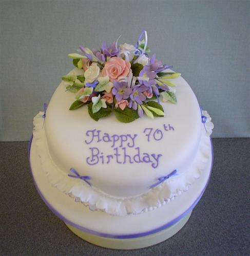 Cake Designs For 70 Year Old Man : Pin Female Gallery Photos Cake on Pinterest
