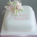 white-lily-and-ivy-christening-cake