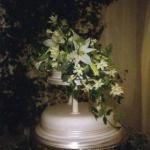 two-tier-wedding-cake-with-flower-cascade