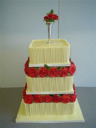 white-chocolate-and-rose-cake