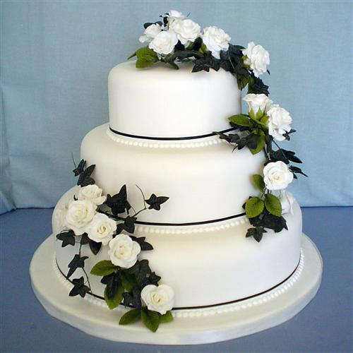 white-roses-on-a-three-tier-stack